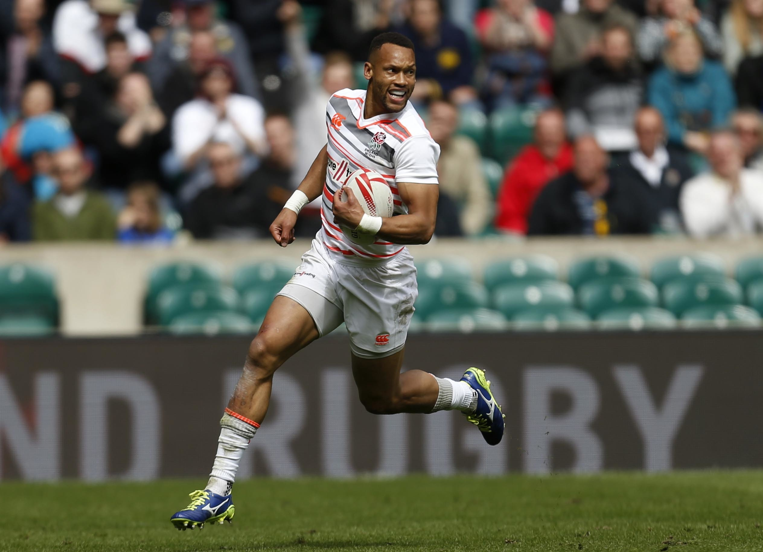Dan Norton playing in the HSBC London Sevens 2017