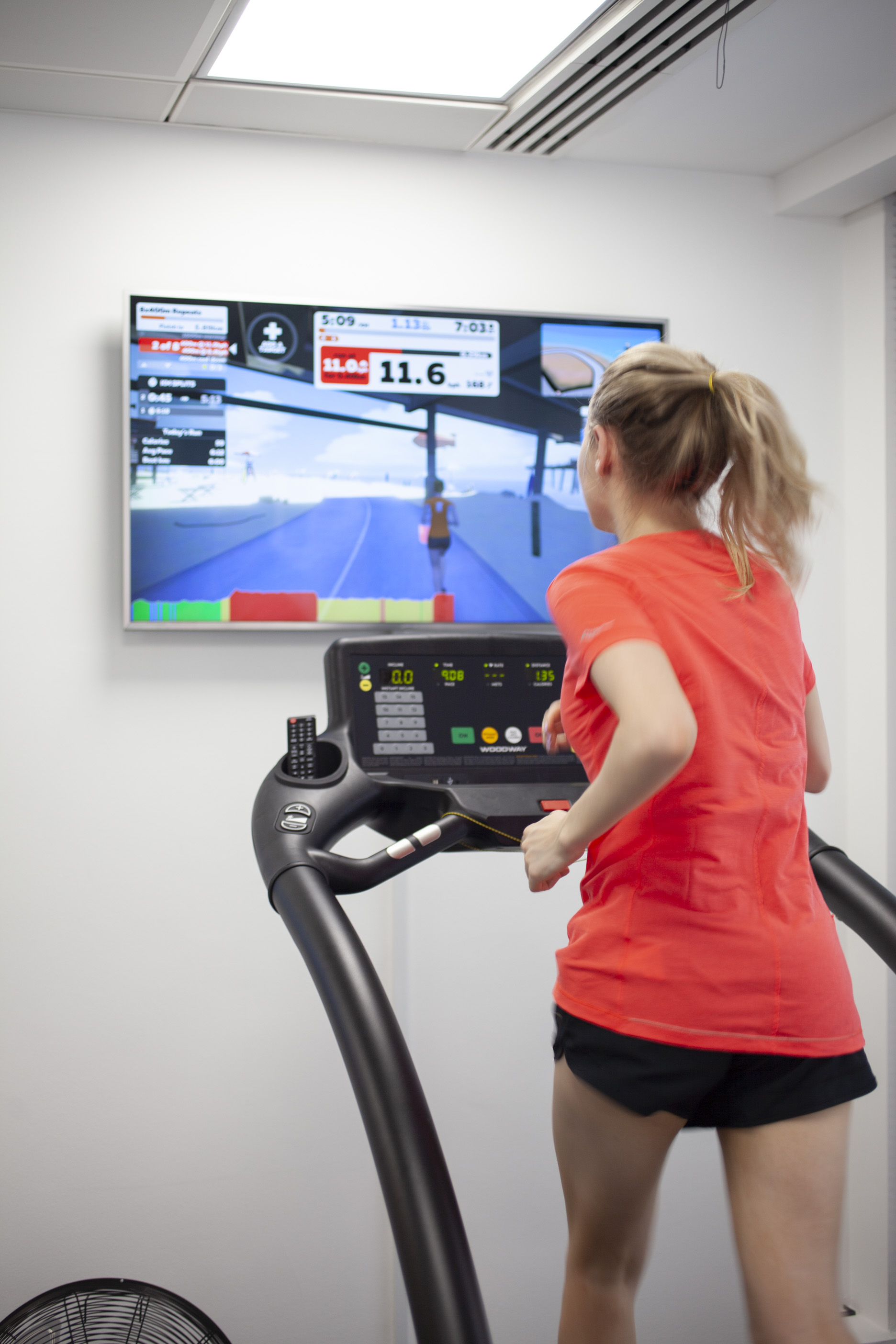 Journalist Liz Connor tries out Zwift