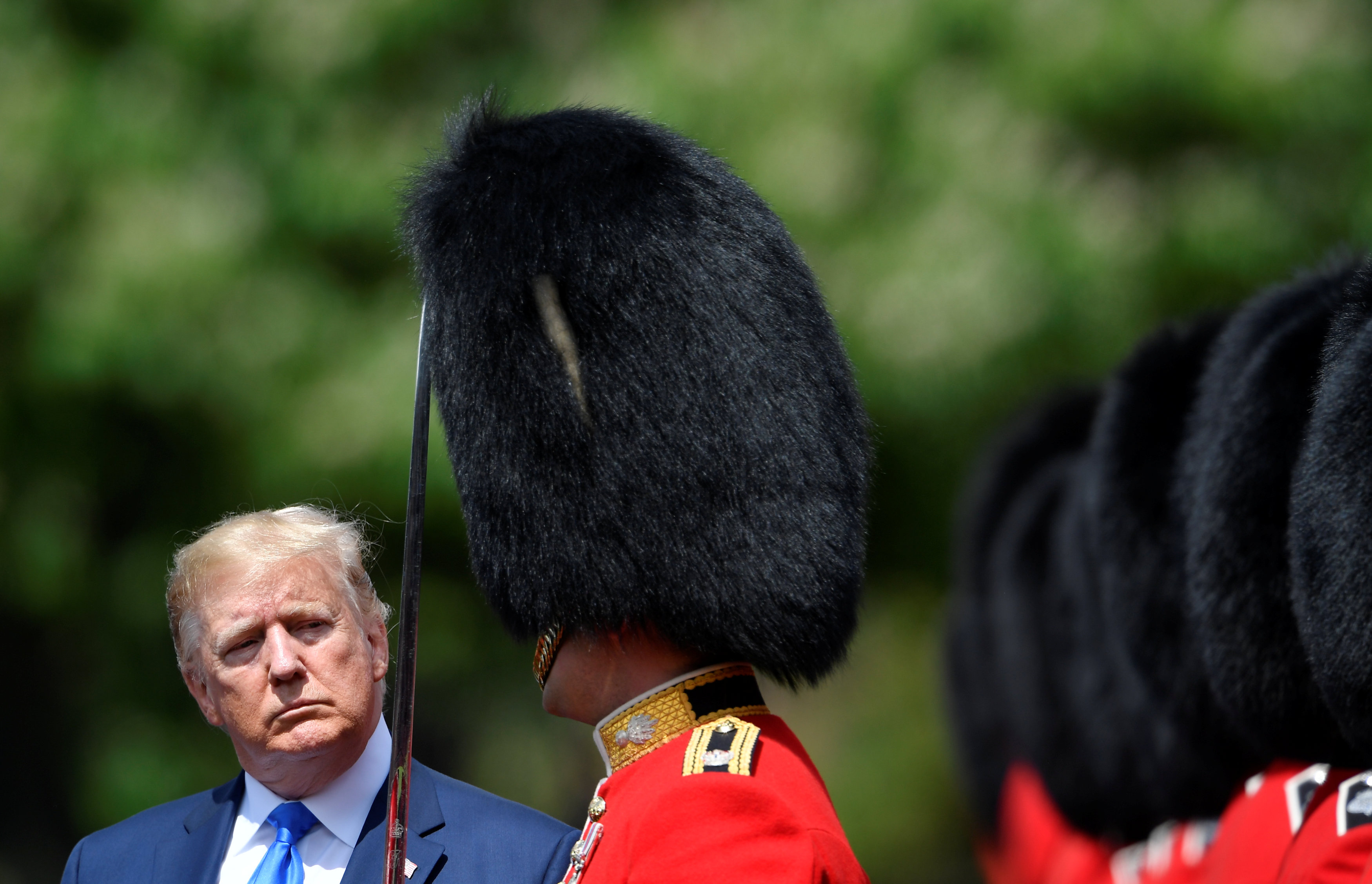 The US President inspects a royal guard