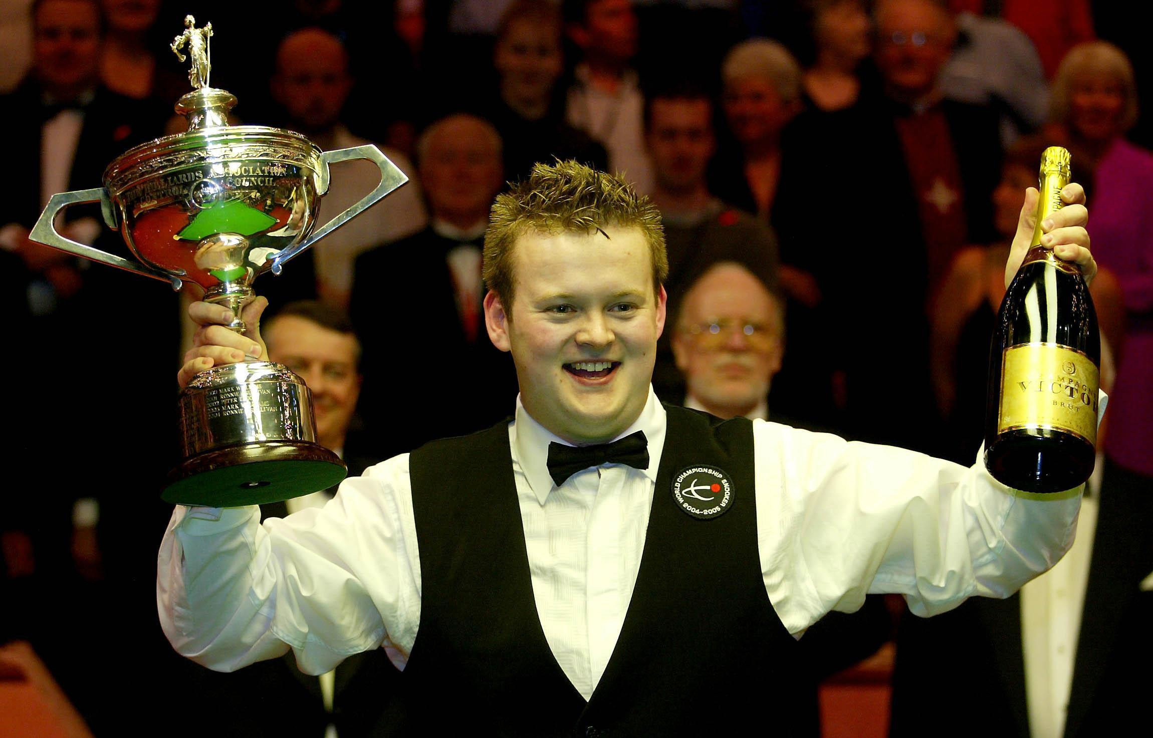 Shaun Murphy celebrates becoming world snooker champion in 2005