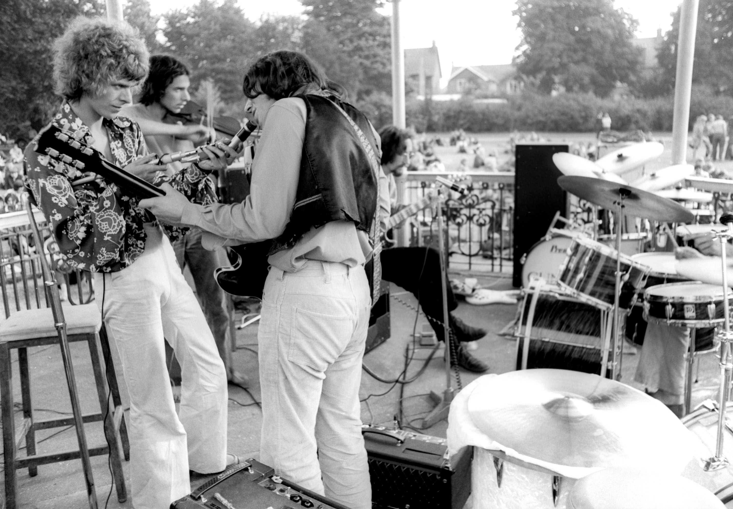 David Bowie playing with other musicians at the Beckenham bandstand on August 16, 1969