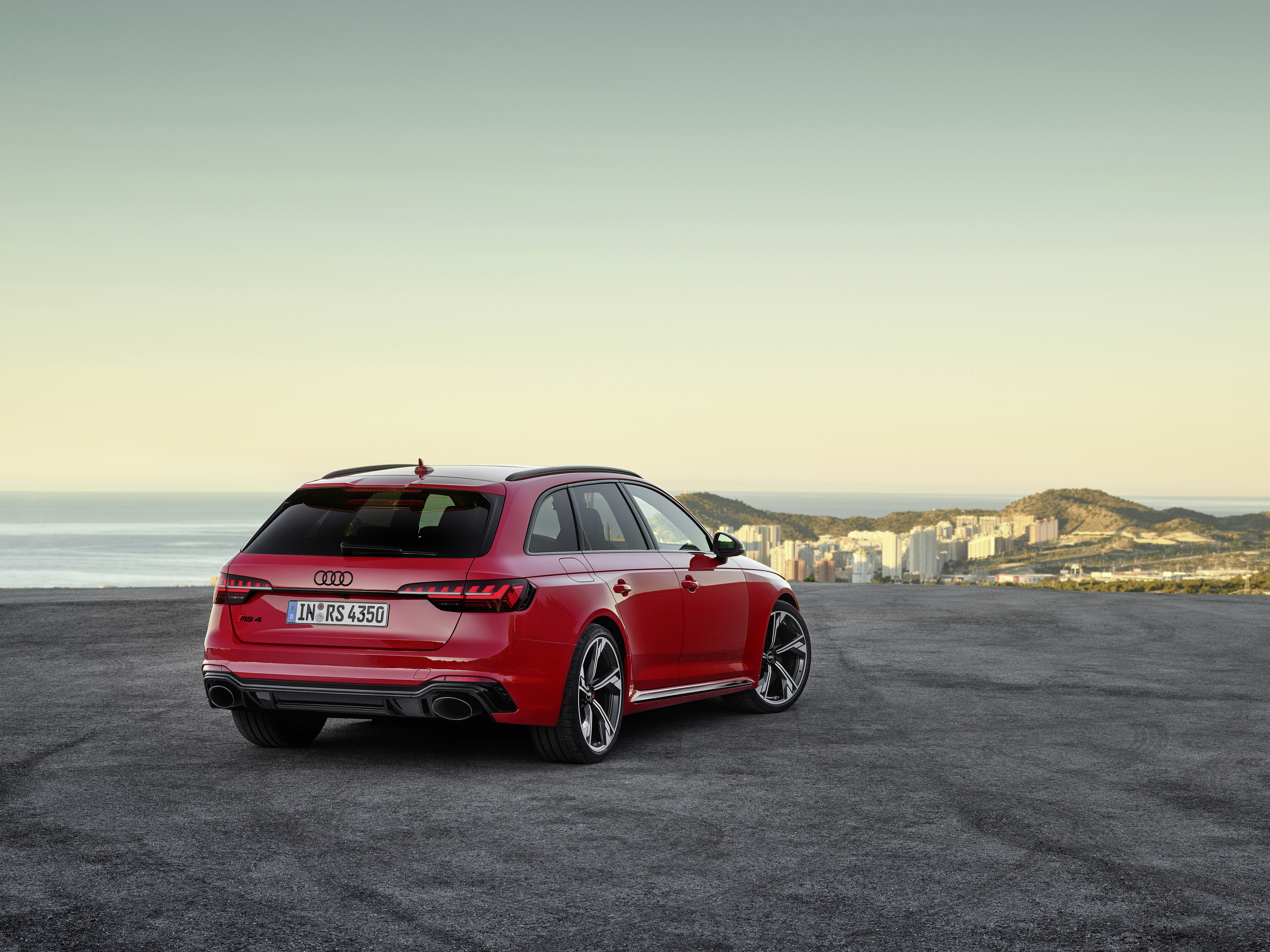 Quattro all-wheel-drive gives the RS 4 plenty of grip