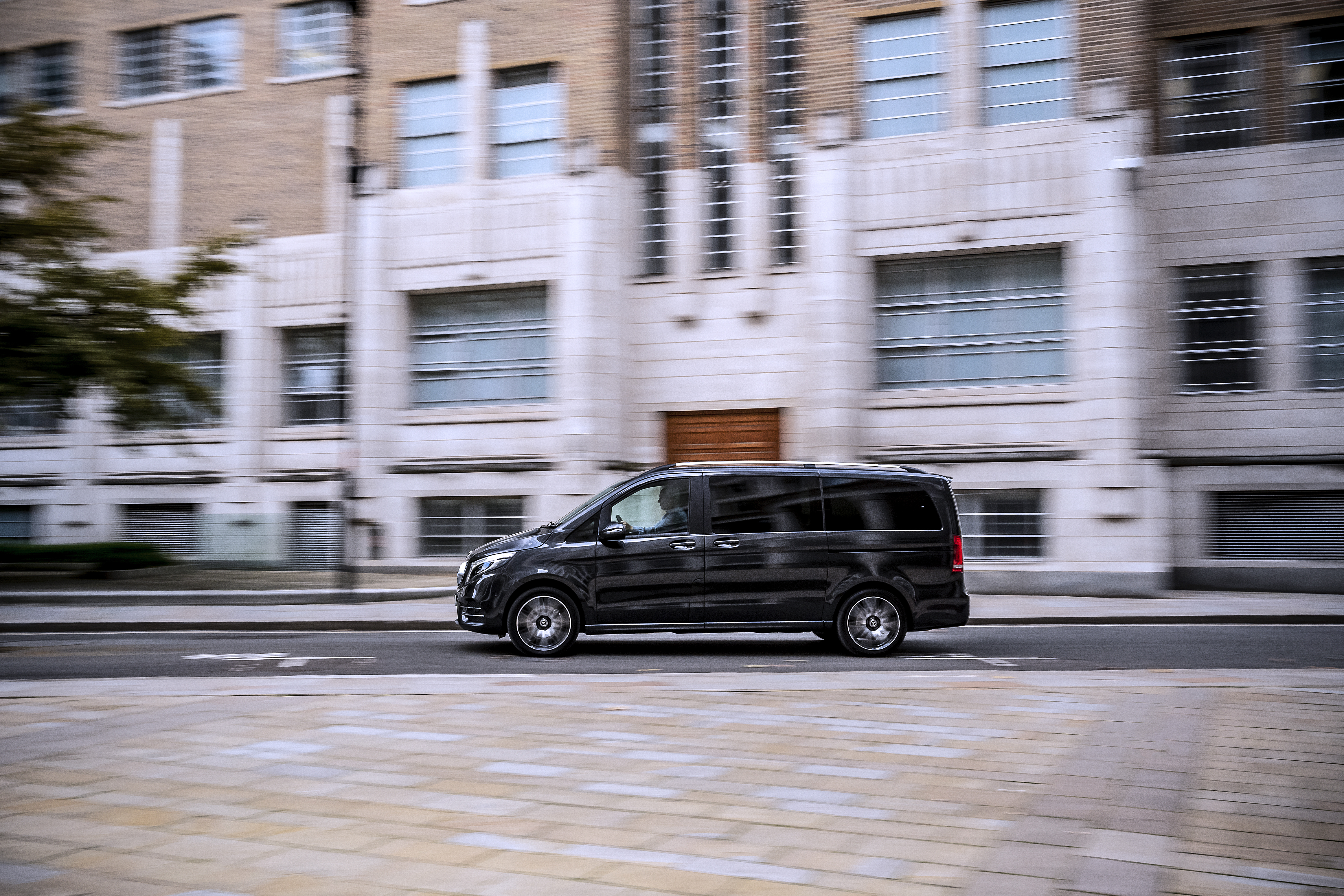 Light steering makes piloting the V-Class around town easy