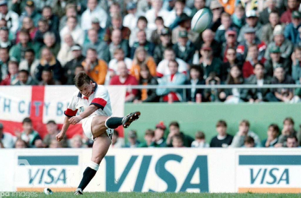 England reverse their fortunes at the 1995 World Cup in South Africa, beating Australia 25-22 in the last eight