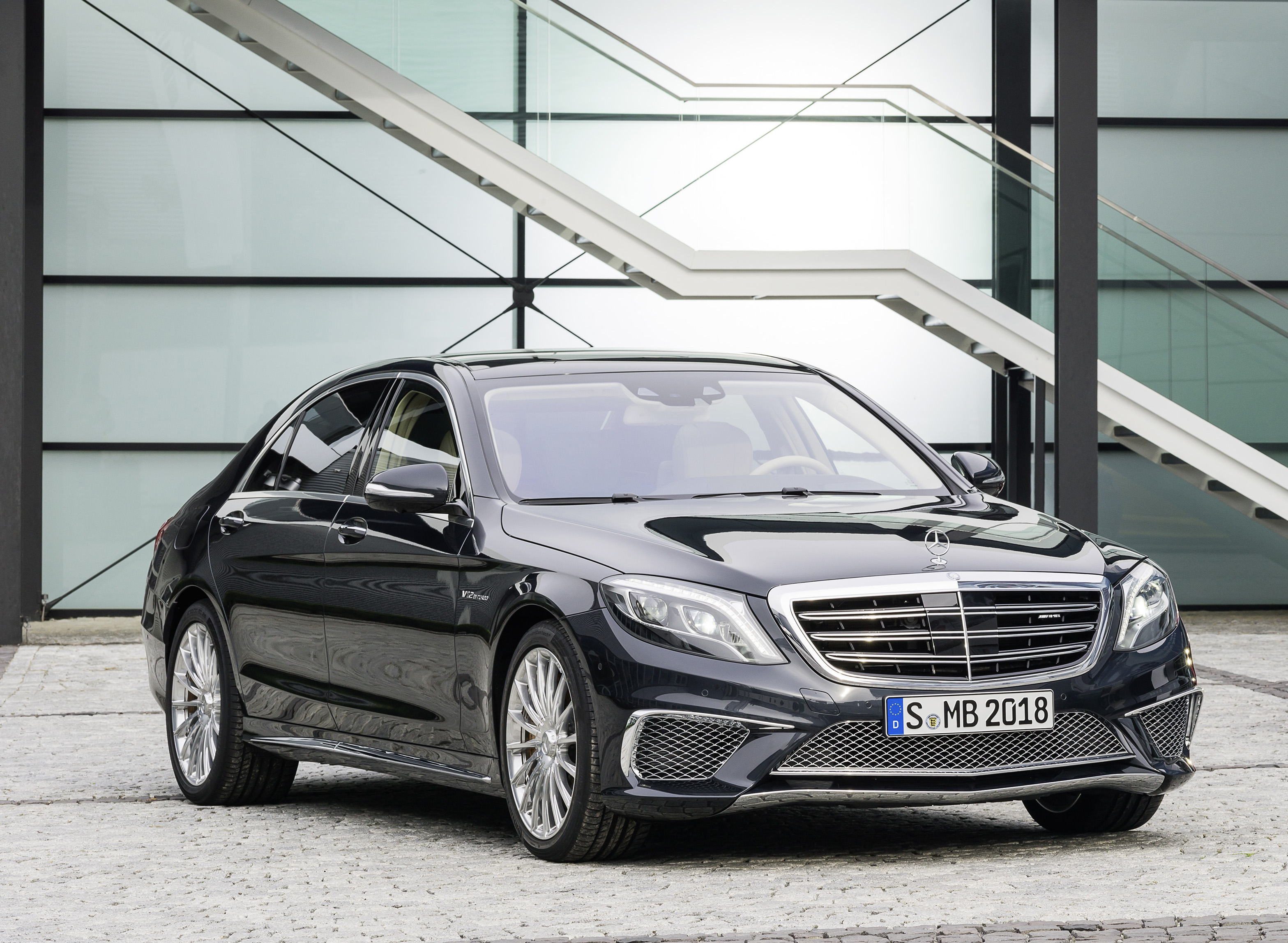 The S 65 packed a huge V12 engine