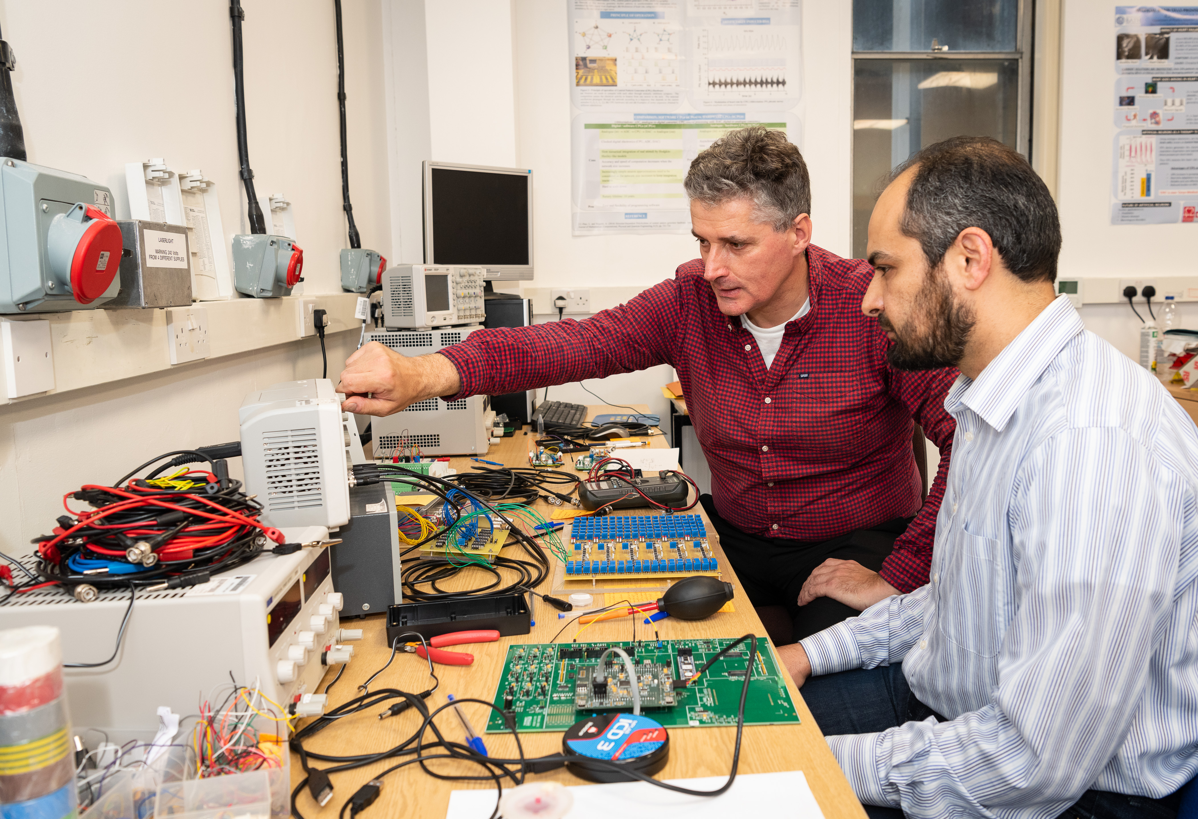 Professor Alain Nogaret and research associate Kamal Abu Hassan of the University of Bath