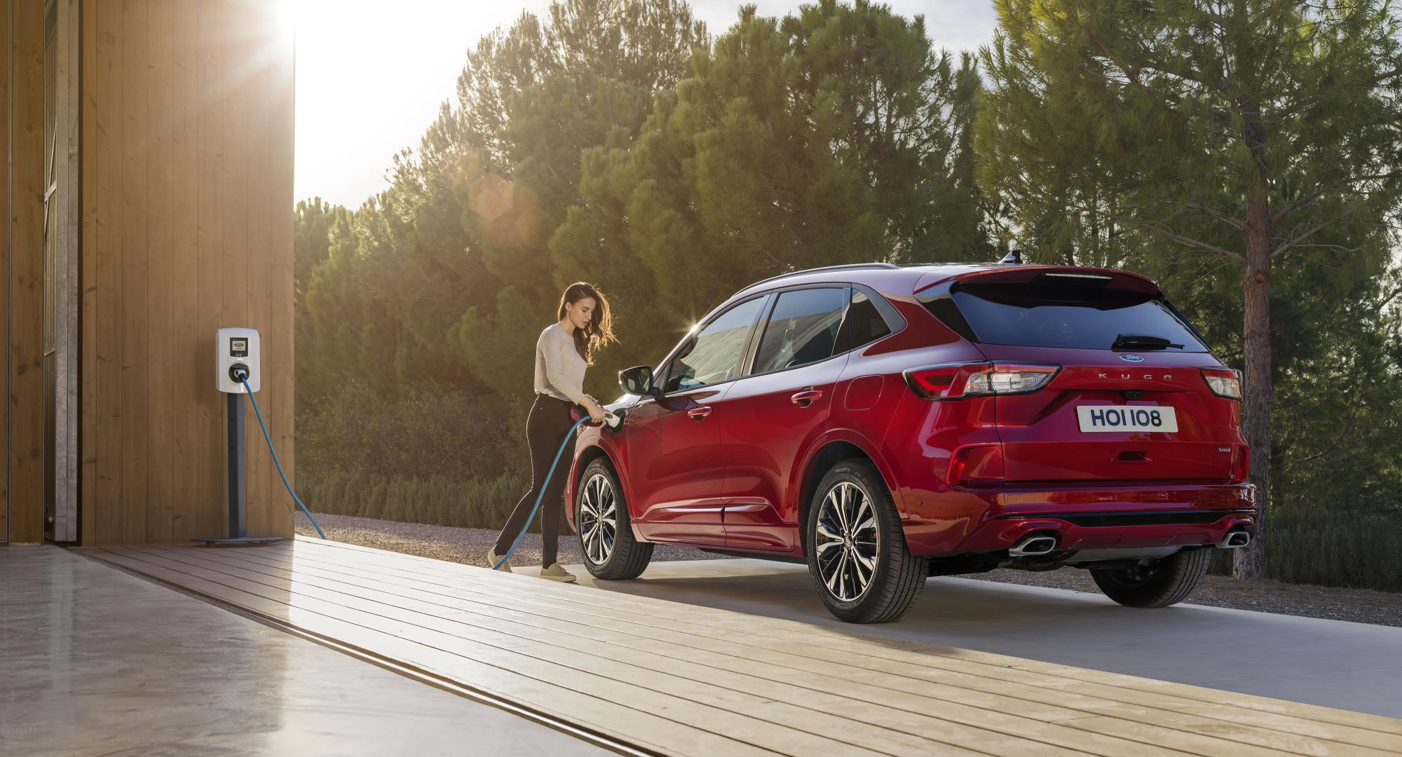 The hybrid Kuga has a claimed all-electric range of 30 miles