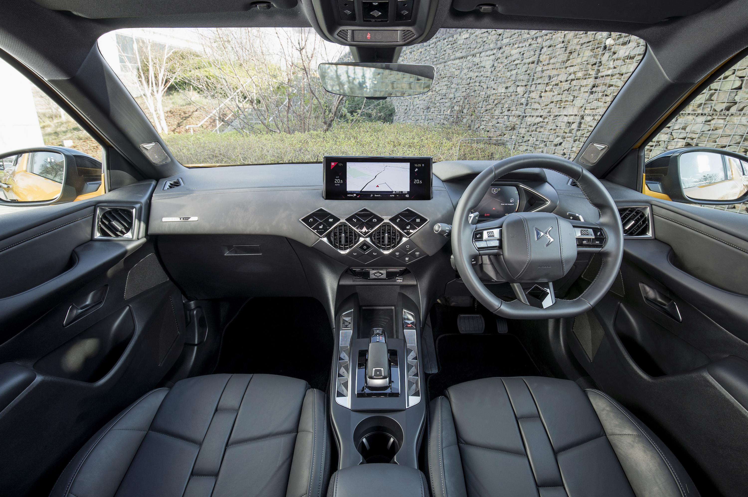 The DS 3 Crossback's interior is like few others