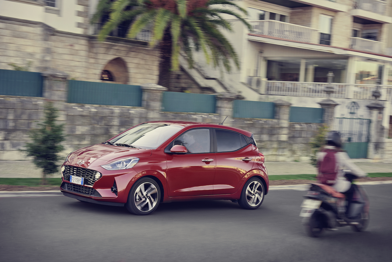 Light steering makes the i10 easy to pilot