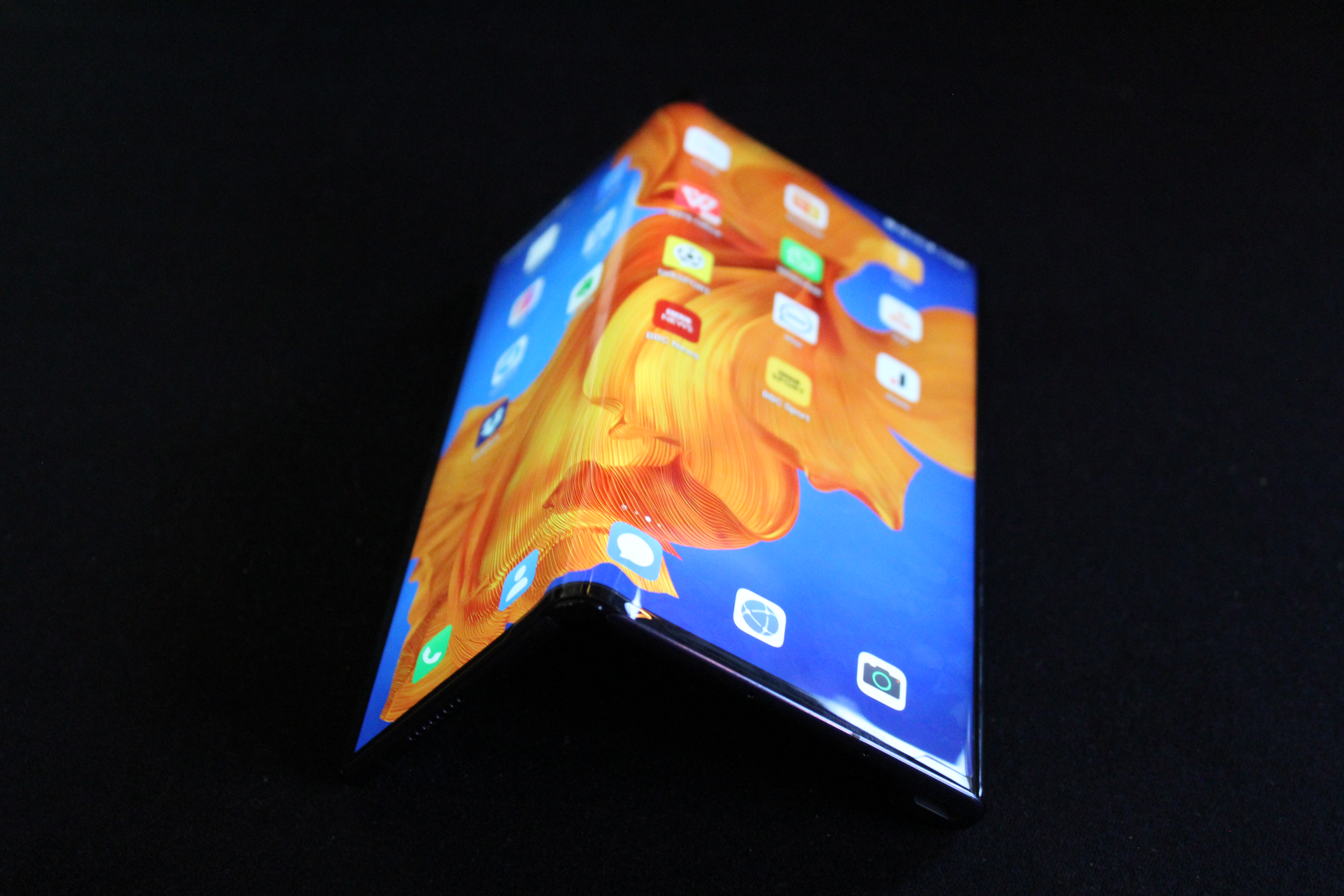 The new Huawei Mate Xs foldable smartphone