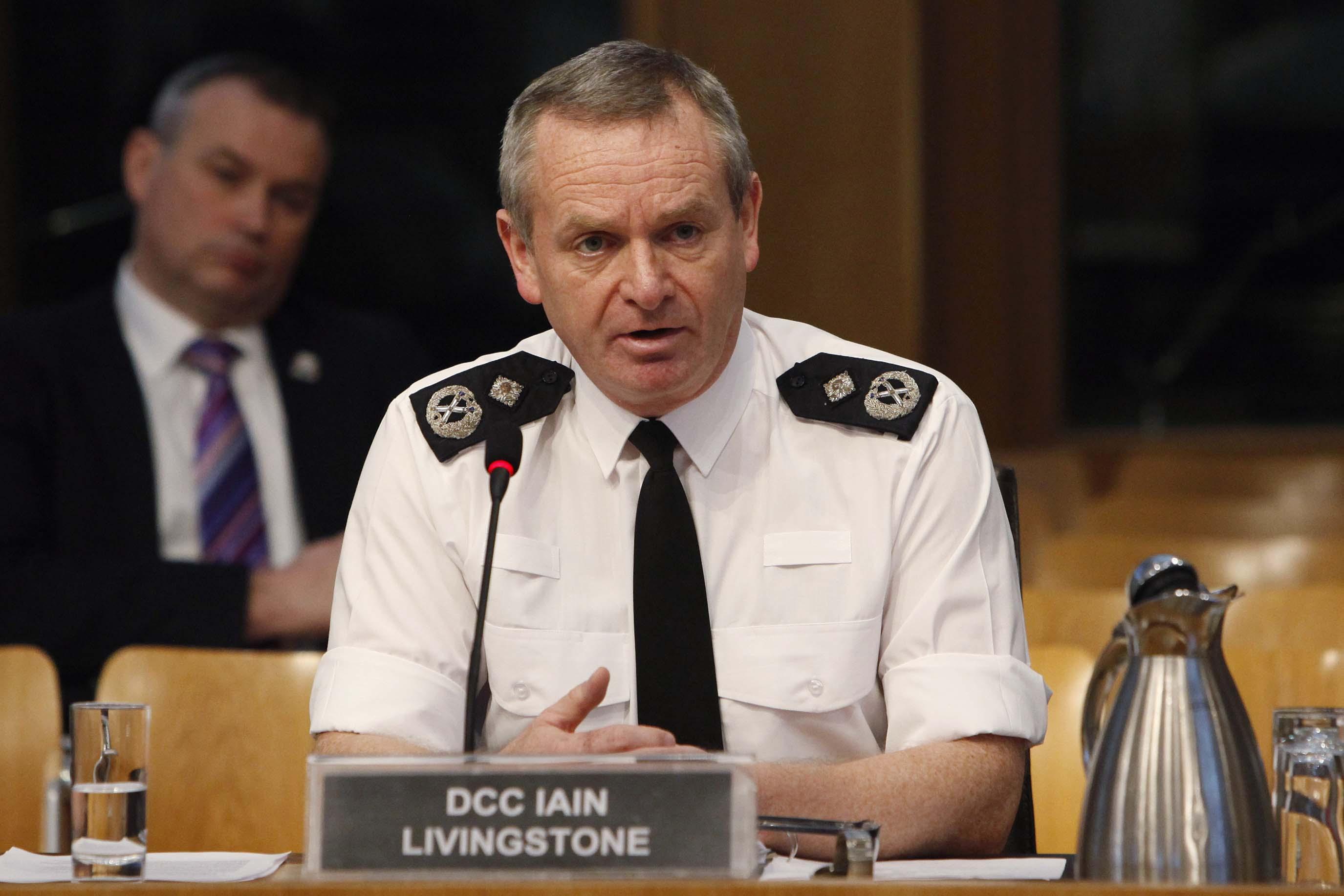 Le nombre d'officiers de police en Écosse pourrait être réduit après 2020 - Euro 2020