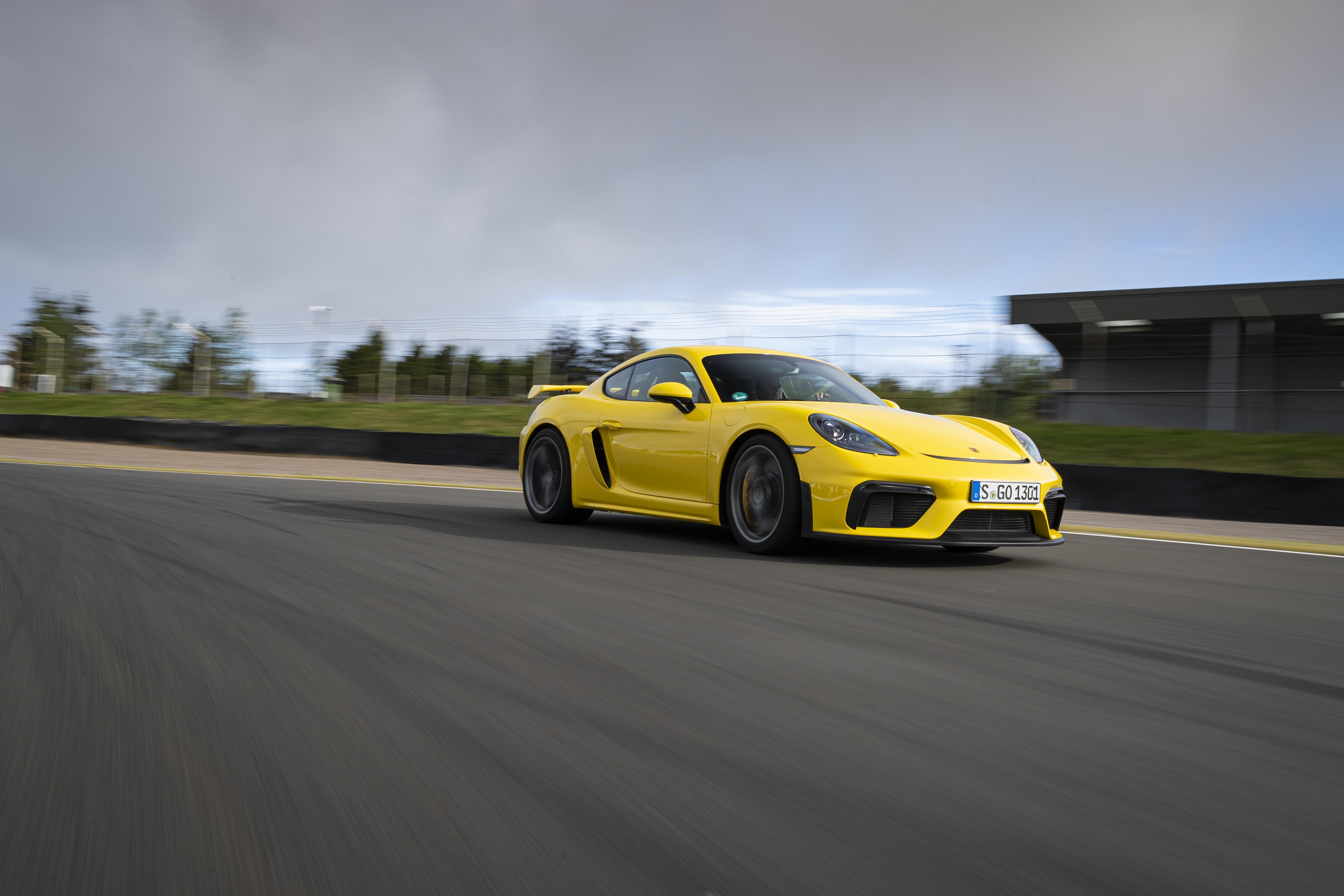 Porsche Cayman GT4 Dynamic