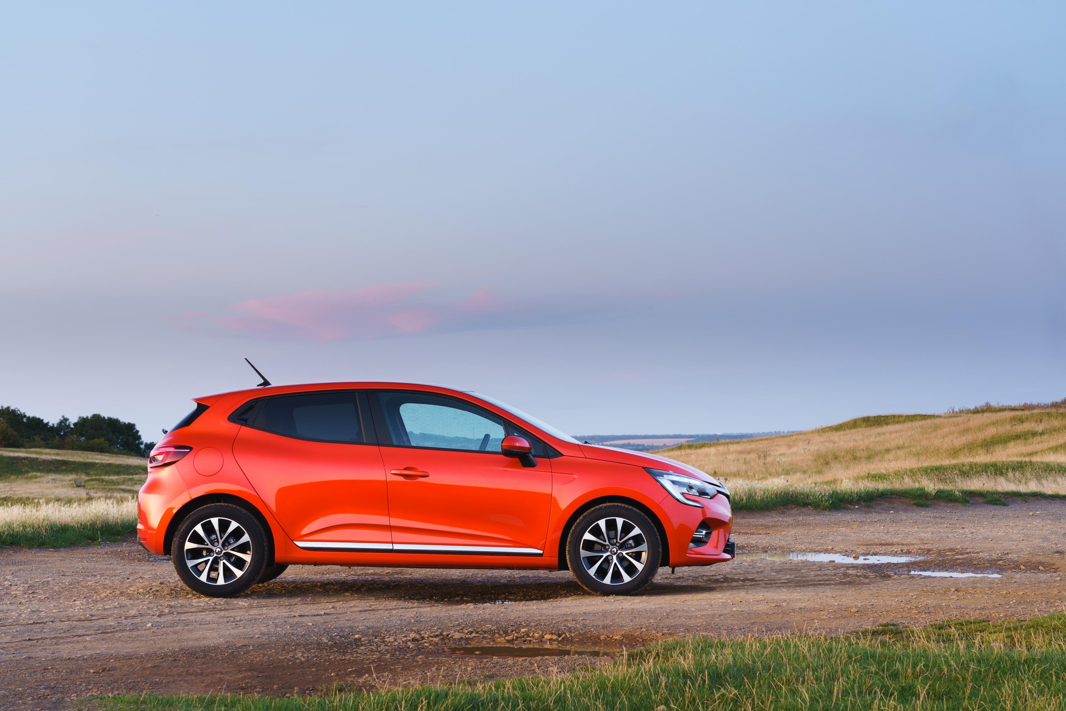 Renault Clio profile static