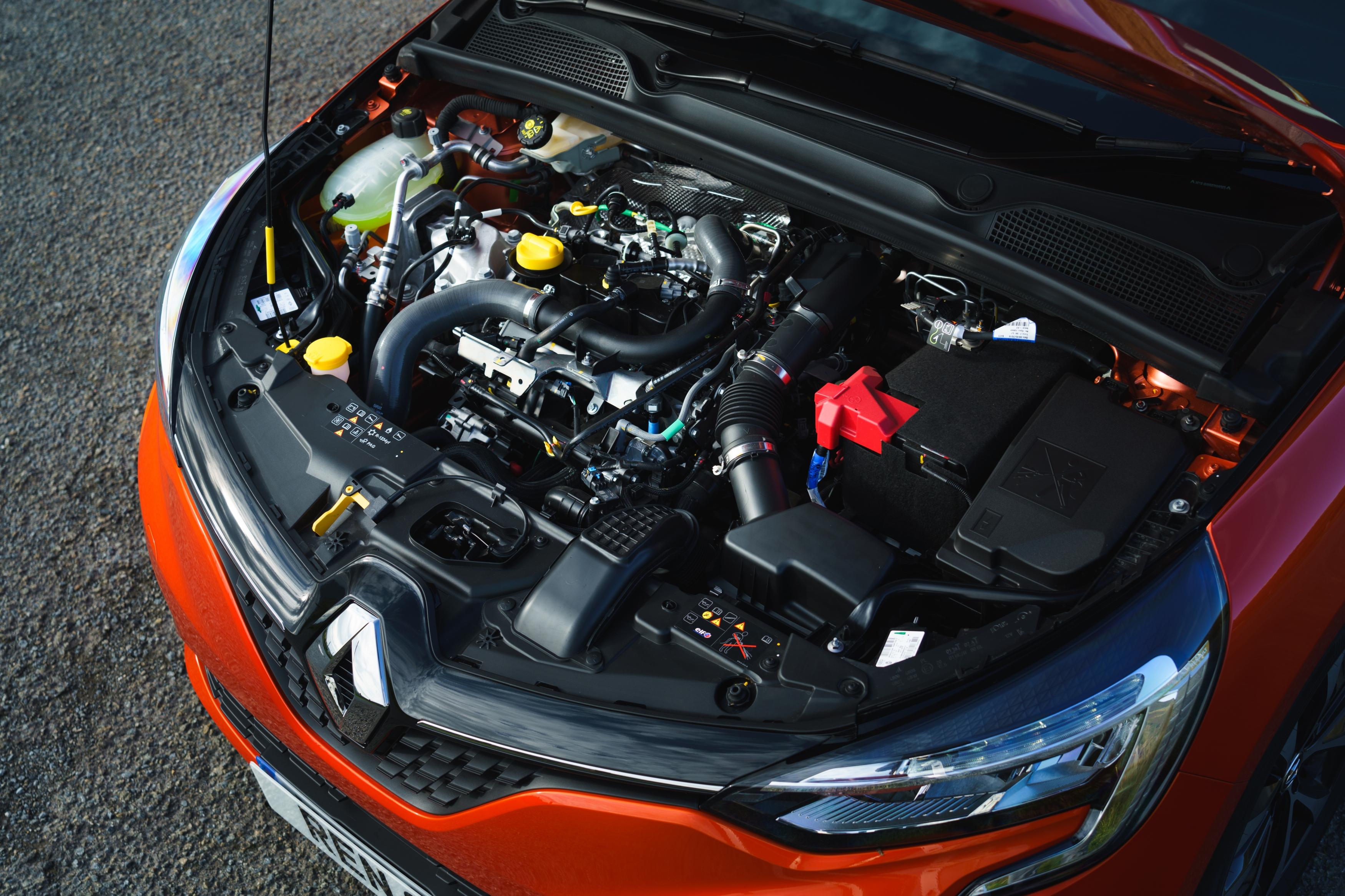 Renault Clio engine static