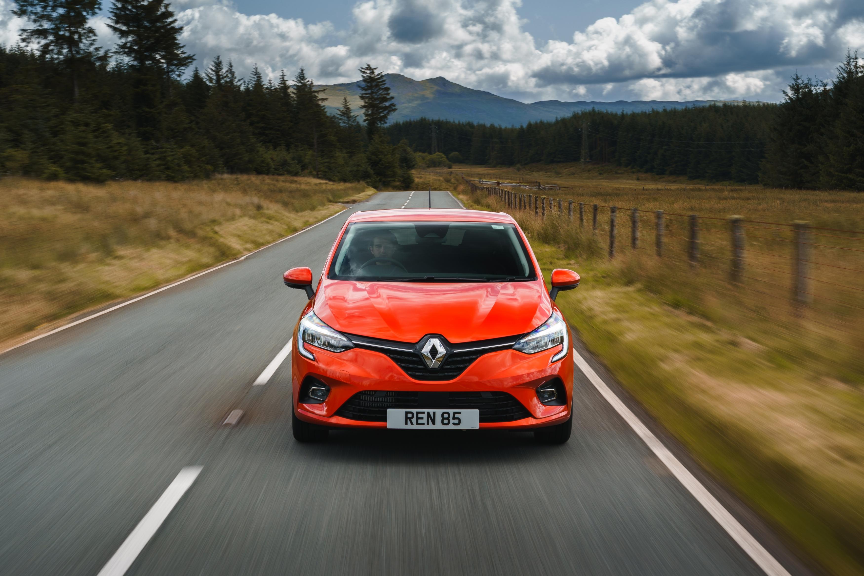 Renault Clio exterior static