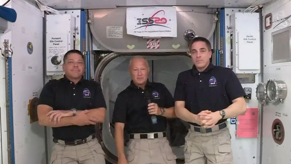 Astronaut describes 'new car smell' as SpaceX's Dragon capsule docked into ISS