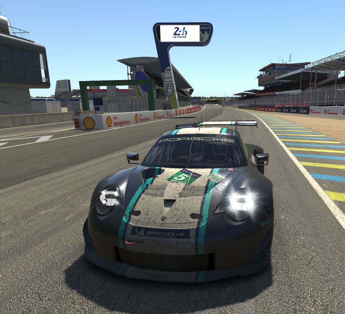iracing – Porsche 911 RSR at Le Mans 24h