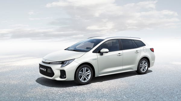 Suzuki reveals hybrid estate called Swace