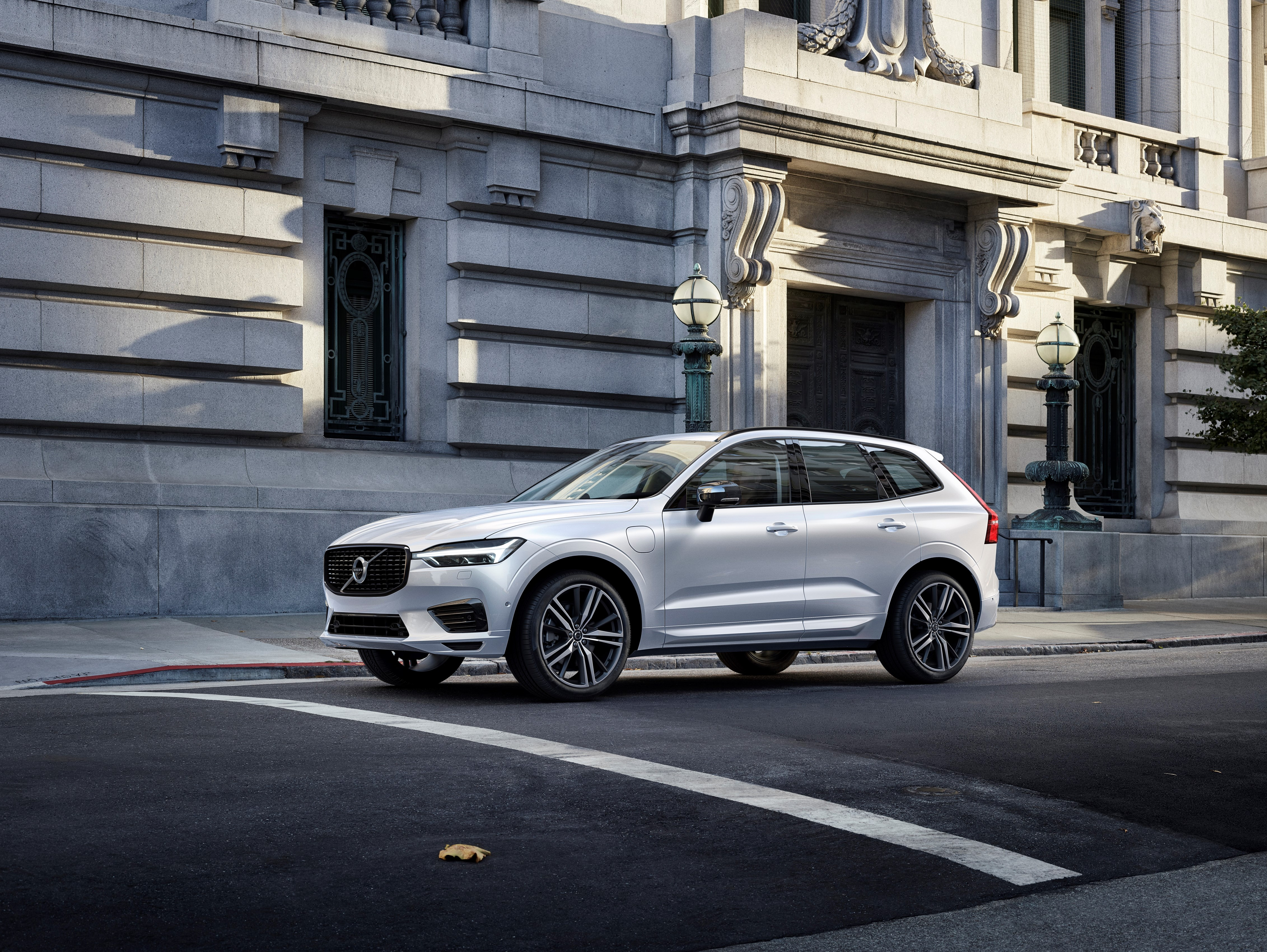 Volvo XC60 Recharge Plug-In Hybrid R-Design