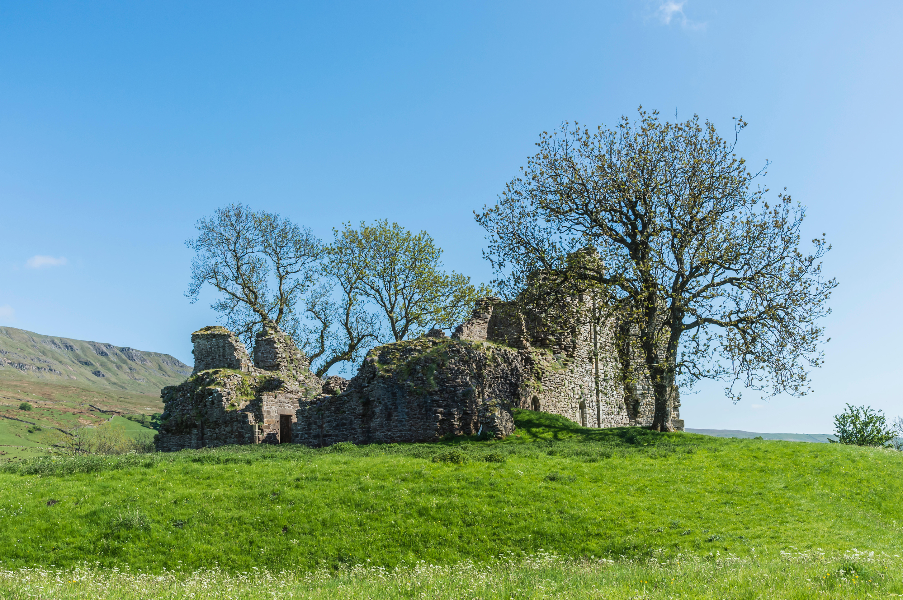 The ruins of Pendragon Castle (Alamy/PA)